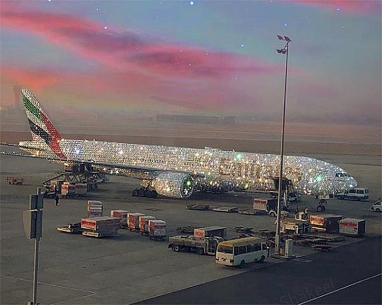 Emirates Airline Sets Twittersphere Ablaze With Post of Diamond-Adorned Plane