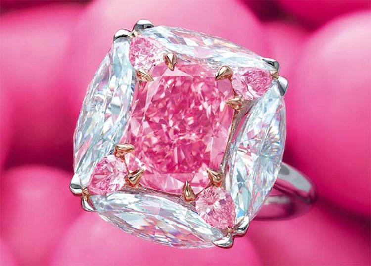 Flawless 'Bubble Gum Pink' Diamond Fetches $7.5 Million at Christie's Hong Kong